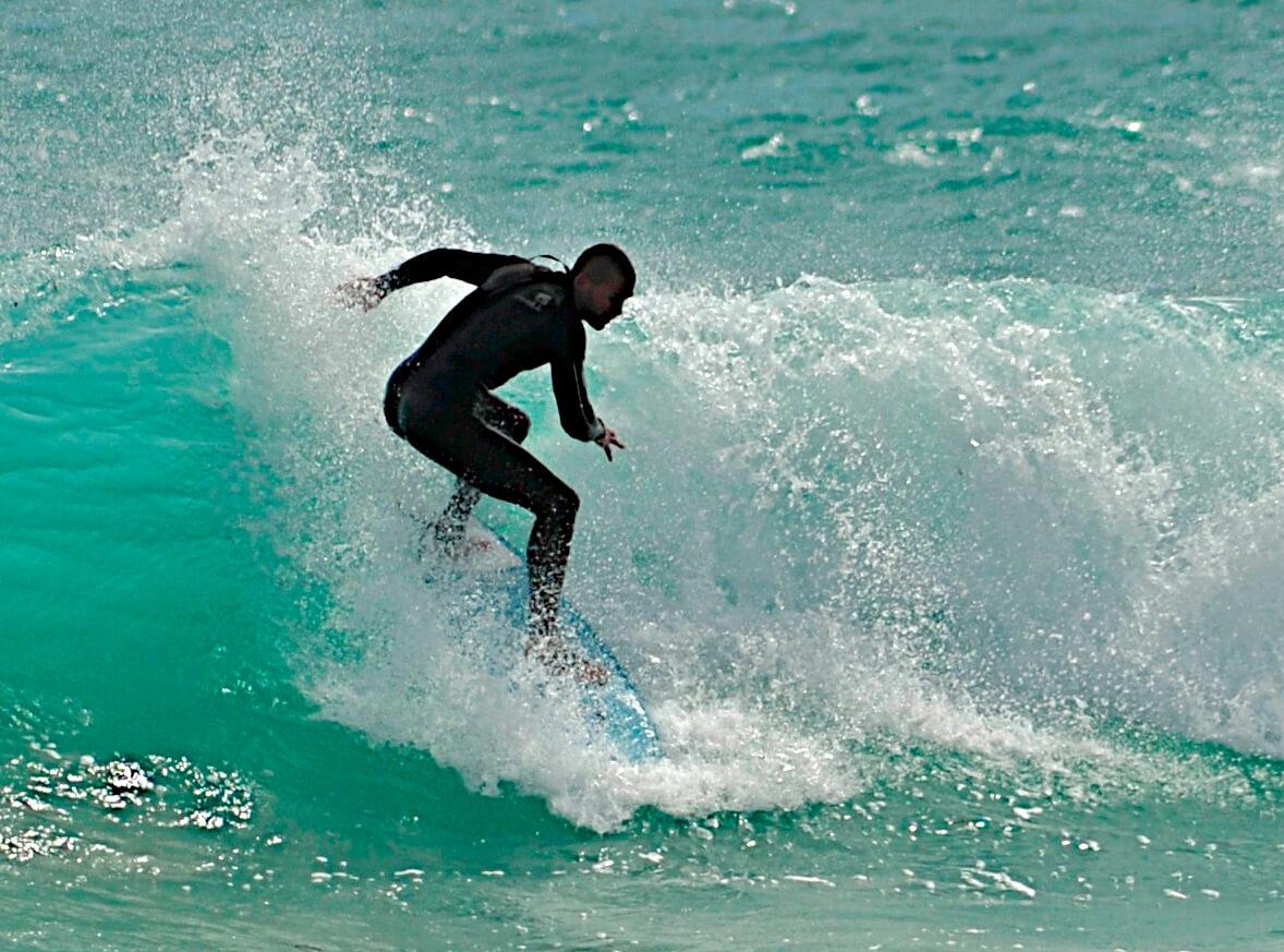 Surfer_NancyBundt_Details_1